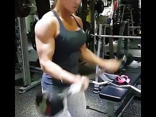 Kim Jumi Curling Hard Veiny Biceps