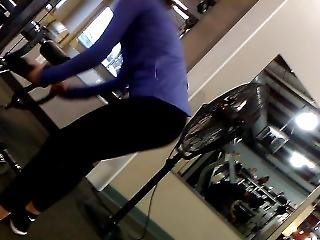 Girl At Gym With Amazing Ass!