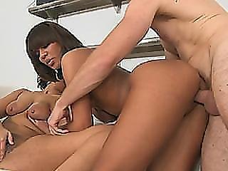 Sexy Young Babes Peyton Rain And Ava Sanchez Fucking In Threesome