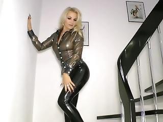 blond, brunette, fetish, tysk, latex, offentlig, alene, ung