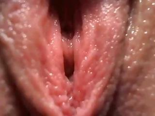 Cam Babe Plays With Her Pink Pussyhole Close Up 17 Mins