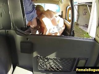 Bigtitted English Cabbie Jerking In Threeway