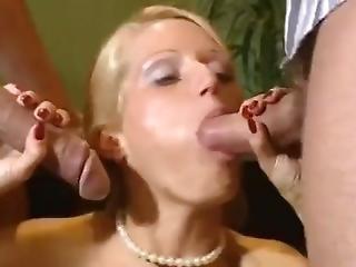 perse, iso perse, blondi, brittiläinen, kyrpä, maatalo, milf, orgiat, seksi, klassinen