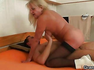 Old Babe And The Young Cock Have Fun