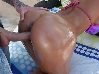 Amia Miley - Big Ass Oiled Up!