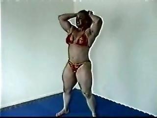 Huge Muscle Wrestling