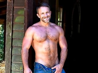 Hot Musicle Stud Dirk Caber Jerks His Meat Out In The Sun