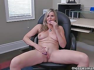 Canada S Sexiest Milfs Part 1