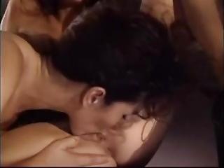 Keisha_has_lesbian_sex_in_an_airplane