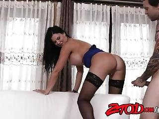 Brunette Jasmin Jae Gets Fucked On Couch