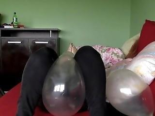 Balloons B2p Blow Pop Sitting