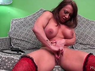 Muscle Girl Con Anabolicos Masturba Su Gran Clitoris Hasta Obtener Orgasmo