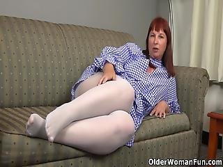 American Milf Scarlett Exposes Her Big Ass And Wide Hips In White Nylon Pantyhose Before She Starts Rubbing Her Sensitive Clit Bonus Video: Usa Milf Pink