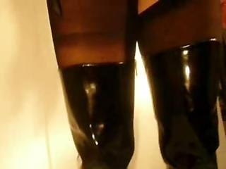 Støvler, Udstilling