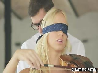 Kiara Lord - Strings Of Passion