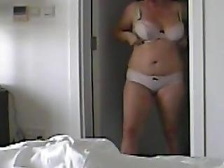 Spycam Mom Dressing