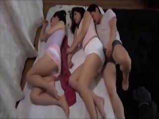 amatør, asiatisk, babe, college, sovesal, japansk, skjørt, soving, Tenåring, trekant, ung