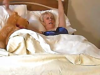 Sexy British Milf Wakes Up And Toys Her Pussy
