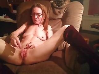 excitada, masturbação, madura, magra, mamas pequenas, só