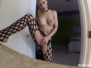 Nicole Aniston Rubs One Out