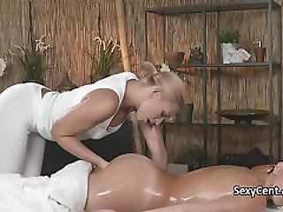Bonasse, Européenne, Hardcore, Lesbienne, Massage, Huilée, Orgasme, Chatte, Taillée