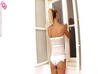 Gitta Szoke Aka Wivien Under The Shower Masturbation