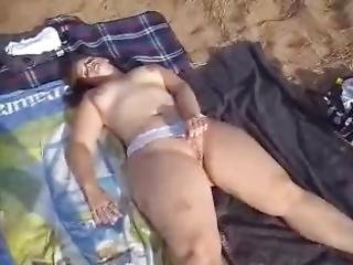 Big Butt Girlfriend On The Beach