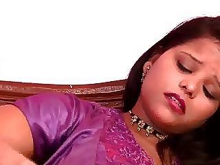 Hot Busty N.indian Auntys Huge Boobs Nipple Slip