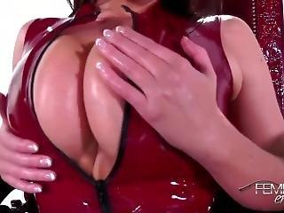 Worship Goddess Tits