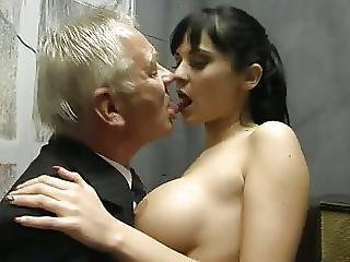 Un Regalo Per Papavideo 317 More At Teen69 Ml