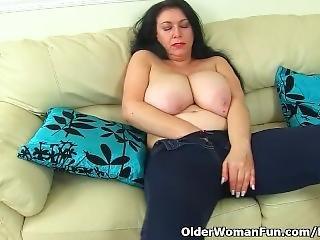 English Milf Sabrina Lets You Enjoy Her Hungry Cunny