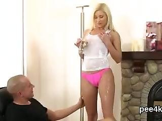 Adorable Babe Gets Her Narrowed Cunt Complete Of Warm Piss And Blasts