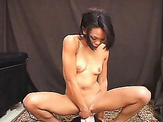 Hawt Babe With Miniature Milk Cans And Hot Legs Angelina Orgasms On The Sybian