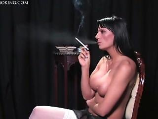 Donna Smoking 120 Topless, Great Body!