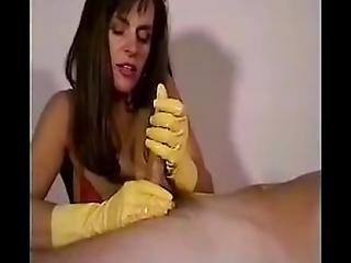 Amateur, Brunette, Ejaculatie, Handjob, Masturberen, Mam, Rubber, Vrouw