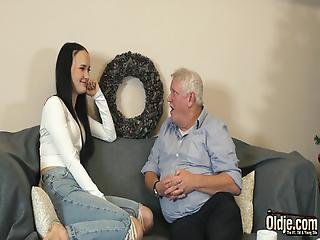 Young Slut Gets Down And Sucks Cum From Old Man In Her Juicy