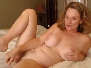 Cam4wholes.com � Cam Girl Shows Her Ass And Pussy Gape With Squirt