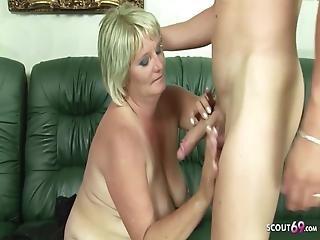 harige moeder lesbisch