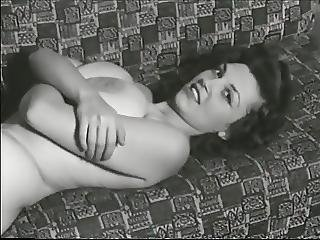 Busty 1950s Pinup Model Eleanor Ames