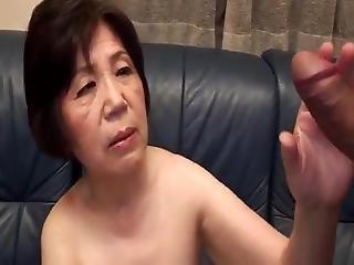 cenzúrázatlan ázsiai nagyi pornó japán alvó anya pornó videók