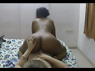 Indian Lady Fucked By A Tourist In A Hotel