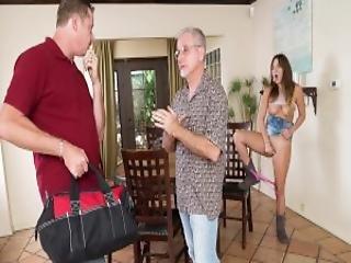 salope collant sex avec plombier