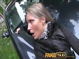 Tätowiert Fake Taxi Vollbusig Realtor Salary