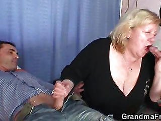 Mature Babe Filled With Two Hot Dicks