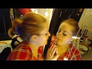 Mirror Kissing Twins