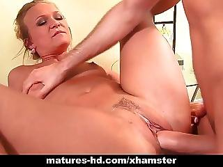 Guy Gives His Favorite Milf Katie Gold Some Pounding