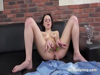 Pussy Pissing Sexy Victoria Traveller Gapes And Toys Her Pee Soaked Pussy