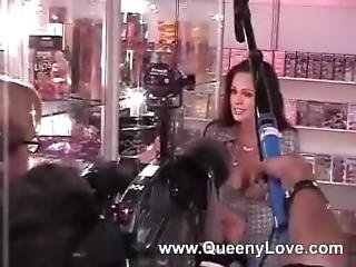 Queeny Love - Venus 2005 After Interview Facial