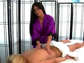 hieroja itäkeskus seksivälineet helsinki