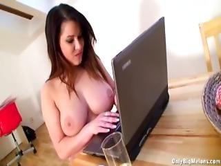 Teri Sweets Big Tits And Round Ass Show